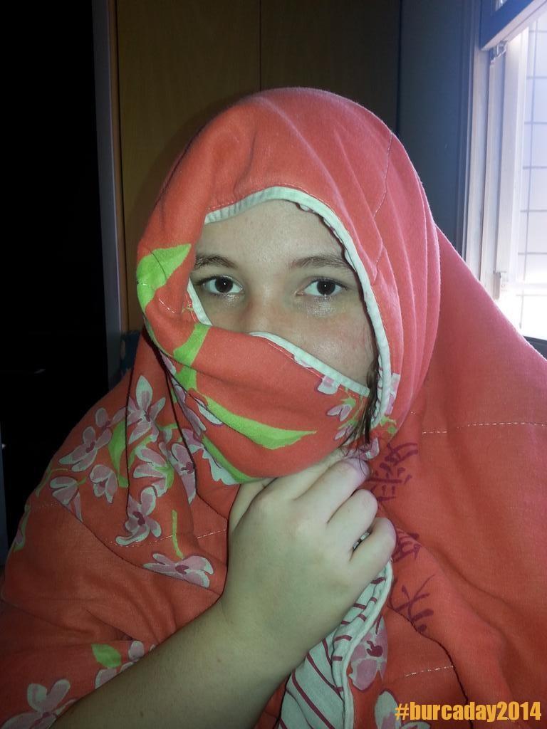 @damaAmaldicoada